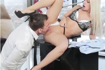 Ingyen pornó - titkárnő szex