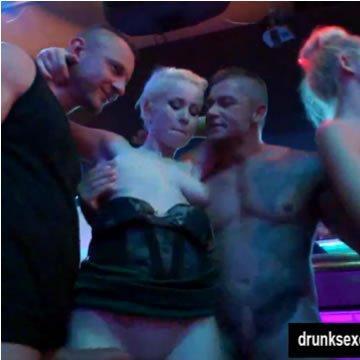 Ingyen pornó - Nyilvános szex