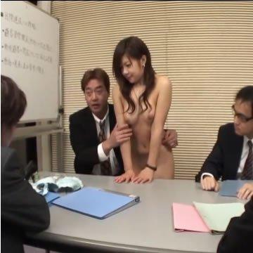 Japán értekezlet és szopatás