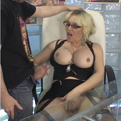 Ingyen pornó - titkarno szex